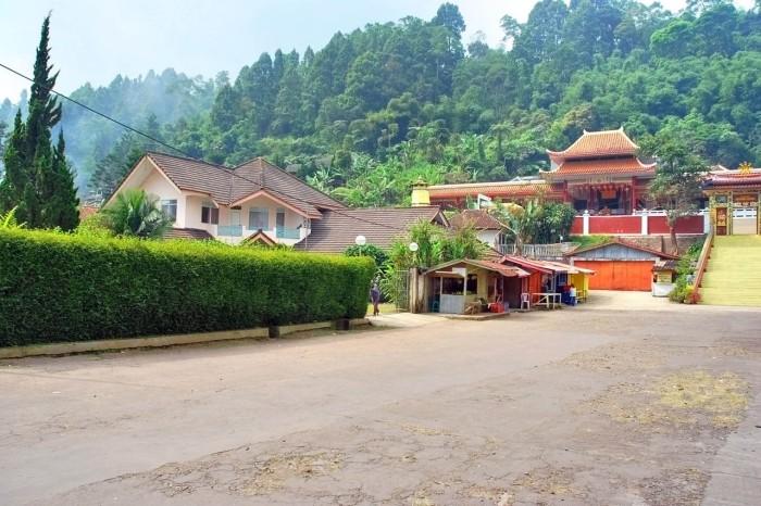 Jual Rumah Jalan Raya Cipanas, Cianjur. Luas 1250 m2